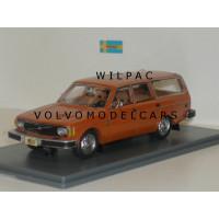 Volvo 145 1974 oranje USA NEO 1:43