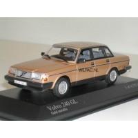 Volvo 244 240 GL 1986 goud met. Minichamps 1:43