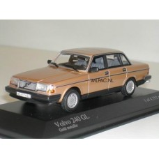 Volvo 240 GL 244 1986 goud metallic Minichamps 1:43