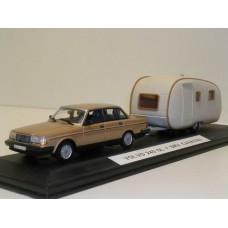 Volvo 244 240 GL 1986 goud met. Minichamps + SMV Caravan 1:43