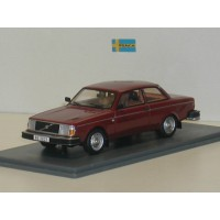Volvo 242 DL 240 1979 rood NEO 1:43