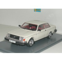 Volvo 242 DL 240 1979 wit NEO 1:43