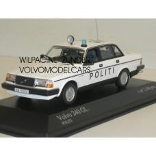 Volvo 244 240 POLITI Deense Politie Minichamps 1:43