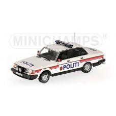 Volvo 240 GL 244 POLITI Noorse Politie Minichamps 1:43
