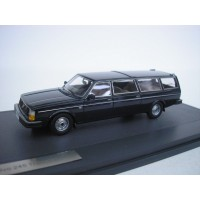 Volvo 245 Transfer 1978 donkerblauw MATRIX 1:43
