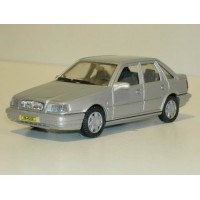 Volvo 440 GL Type 2 zilvergrijs metallic AHC Doorkey 1:43