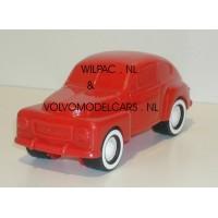 Volvo PV444 rood Combiplay Alskog Design 1:32