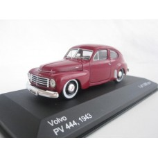Volvo PV444 A 1946 rood WhiteBox 1:43