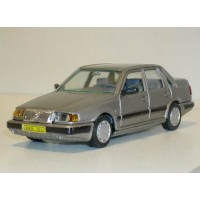 Volvo 460 GL Type 1 zilvergrijs met. AHC Doorkey 1:43