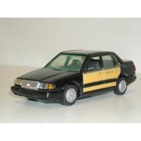 Volvo 460 GL Type 1 Taxi zwart/geel AHC Doorkey 1:43