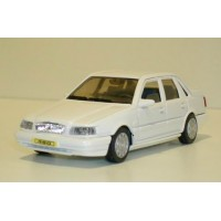 Volvo 460 GL Type 2 wit AHC Doorkey 1:43