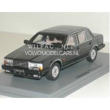 Volvo 740 Turbo 1987 antraciet met. NEO 1:43