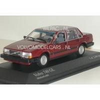 Volvo 740 GL 1986 wijnrood Minichamps Volvo 1:43