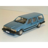Volvo 740 Estate 1987 lichtblauw metallic Rob Eddie 1:43 RE34