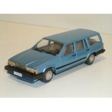 Volvo 740 Estate 1987 lichtblauw met. Rob Eddie 1:43 RE34