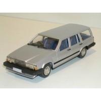 Volvo 740 Estate 1987 zilvergrijs met. RHD Rob Eddie RE34