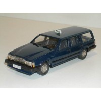 Volvo 740 Estate 1987 Taxi donkerblauw Rob Eddie 1:43 RE34