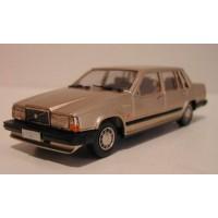 Volvo 760 GLE 1987 champagne met. Rob Eddie RE32XT 1:43