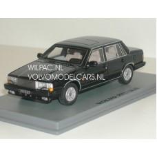 Volvo 760 GLE zwart 1982 NEO 1:43