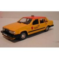 Volvo 760 GLE 1987 Taxi Amsterdam geel/oranje Rob Eddie RE32 1:43
