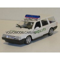 Volvo 760 GLE estate 1988 Deense Politie in wit Polistil 1:43