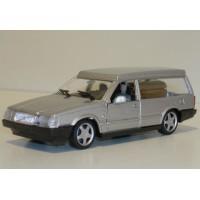 Volvo 760 Begrafenis / lijkwagen zilvergrijs met. Polistil 1:43