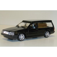 Volvo 760 Begrafenis / lijkwagen zwart Polistil 1:43
