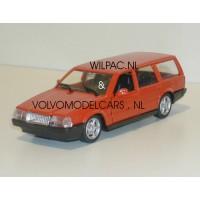 Volvo 760 GLE estate 1988 oranje Polistil 1:43