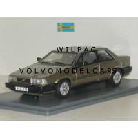 Volvo 780 Bertone 1988 beige met. NEO 1:43