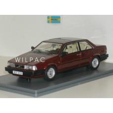 Volvo 780 Bertone 1988 rood met. NEO 1:43