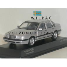 Volvo 850 1994 zilvergrijs met. Minichamps 1:43