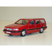 Volvo 850 Estate 1995 rood Minichamps 1:43