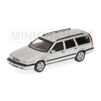 Volvo 850 Estate 1996 zilvergrijs met. Minichamps 1:43