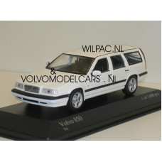 Volvo 850 Estate 1996 wit Minichamps 1:43