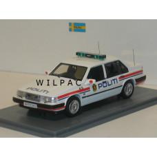 Volvo 940 GL Sedan Politi /Noorse Politie NEO 1:43