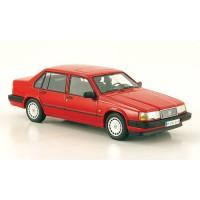 Volvo 940 Sedan rood NEO 1:43
