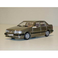 Volvo 850 GLT 1992 champagne met. AHC 1:43