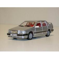 Volvo 850 T5 1994 zilvergrijs met. AHC 1:43