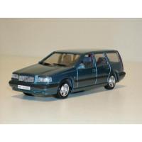 Volvo 850 Estate 1995 lichtblauw met. AHC 1:43