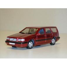 Volvo 850 Estate 1995 donkerrrood met. AHC 1:43