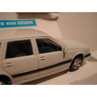 Volvo 850 Estate 1995 wit RHD RECHTS STUUR AHC 1:43