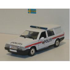 Volvo 760 GLE estate 1988 Noorse Politie Polistil 1:43