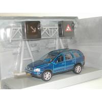 Volvo XC90 met verkeersset Kids Globe 1:32