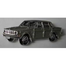 PIN Volvo 144 grijs