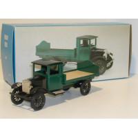 Volvo LV1 1928 groen bakwagen 1:43 Conrad