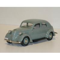 Volvo PV56 1939-45 groen Rob Eddie RE36 1:43
