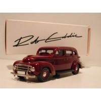 Volvo PV831 1950 Taxi donkerrood Rob Eddie RE04x 1:43
