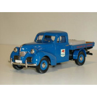 Volvo PV61 pickup blauw Mobil Oil Rob Eddie RE30 1:43