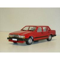 Volvo 740 GL 1987 rood Rob Eddie RE32 1:43