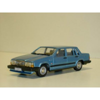 Volvo 740 GL 1987 lichtblauw metallic Rob Eddie RE32 1:43